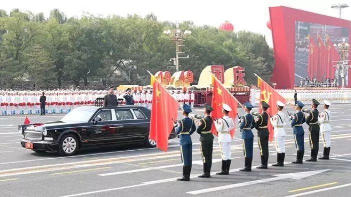 致敬新中国70年