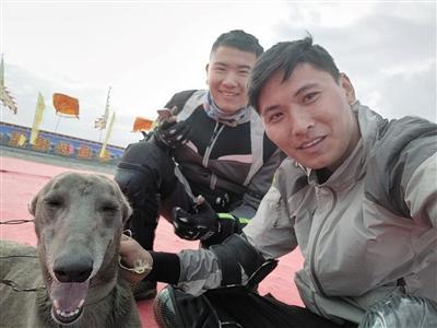 两年骑行3万9千公里 大学生摩托骑行环游中国