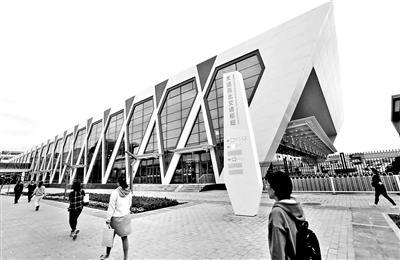 天通苑北交通枢纽试运营 接驳换乘每天停车费仅2元