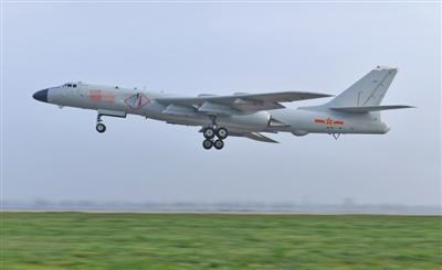 空军成立70周年航空开放活动 歼-20、运-20再舞蓝天