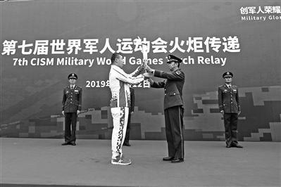 军运会点燃江城人民爱军热情 都想给军运出份力