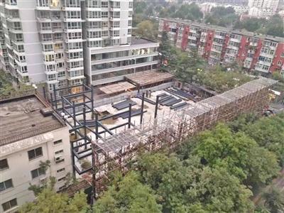 北京丰台一小区停车场老旧改造两年 现在仍是工地