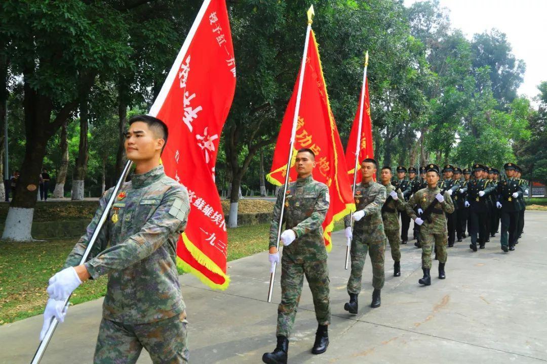 28发子弹消灭23个敌人!一面面鲜红的战旗在战火洗礼中傲然挺立