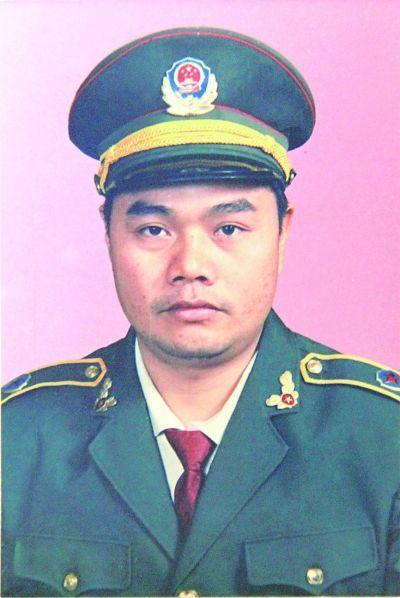 杨启泉:经济建设的保护神