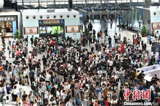 中国铁路票务系统有多厉害:日访问量最高超1600亿次