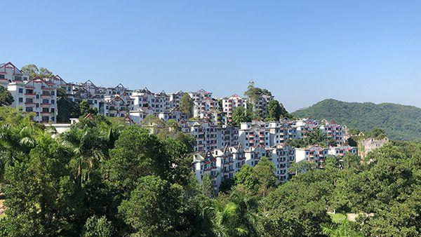 广州一楼盘22年未交房 业主:想住进房而不是挂上墙
