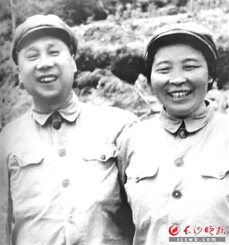 甘泗淇和李贞夫妇 资料图片