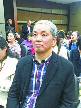 不幸被查出晚期肺癌 这位武汉诗人一年写下百余首诗歌