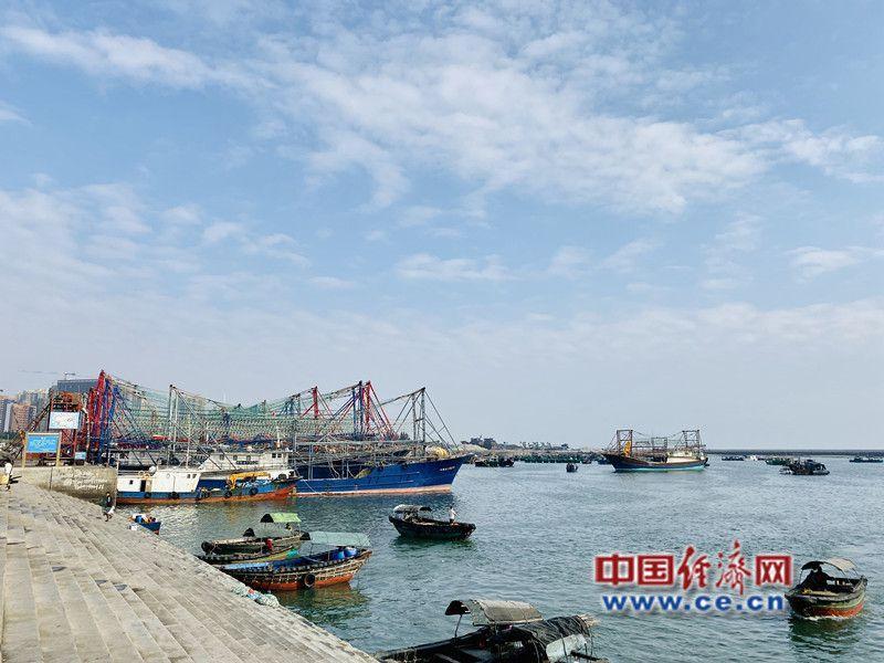 黑臭南澫中心渔港变身碧水蓝天