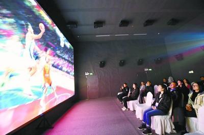 世界5G大会8K剧院人气爆棚 纤毫毕现画质引市民关注
