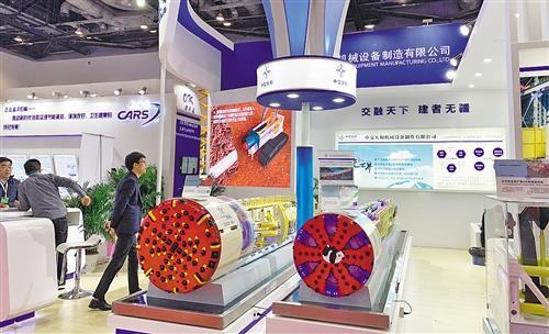 可视化设计、自动驾驶 中国高铁:智能触手可及