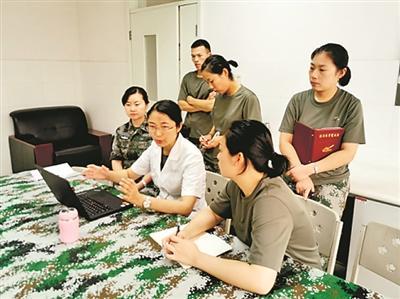 20名博士军医下连当兵 与作战部队基层官兵朝夕相处
