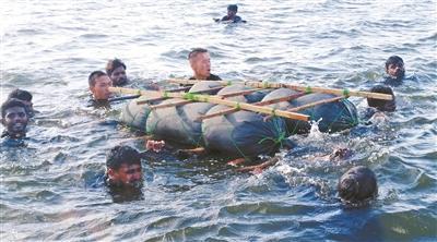 """斯里兰卡马杜鲁亚特种部队训练学校 向""""绝望""""要战斗力"""