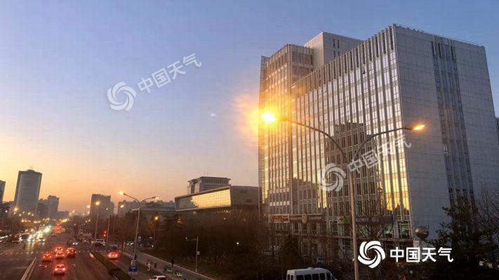 冷!今日北京气温骤降 最高气温较昨天暴跌7℃