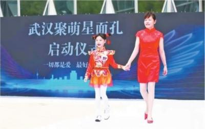 患癌奶奶带孙女同台走猫步 参加全国比赛屡获金奖
