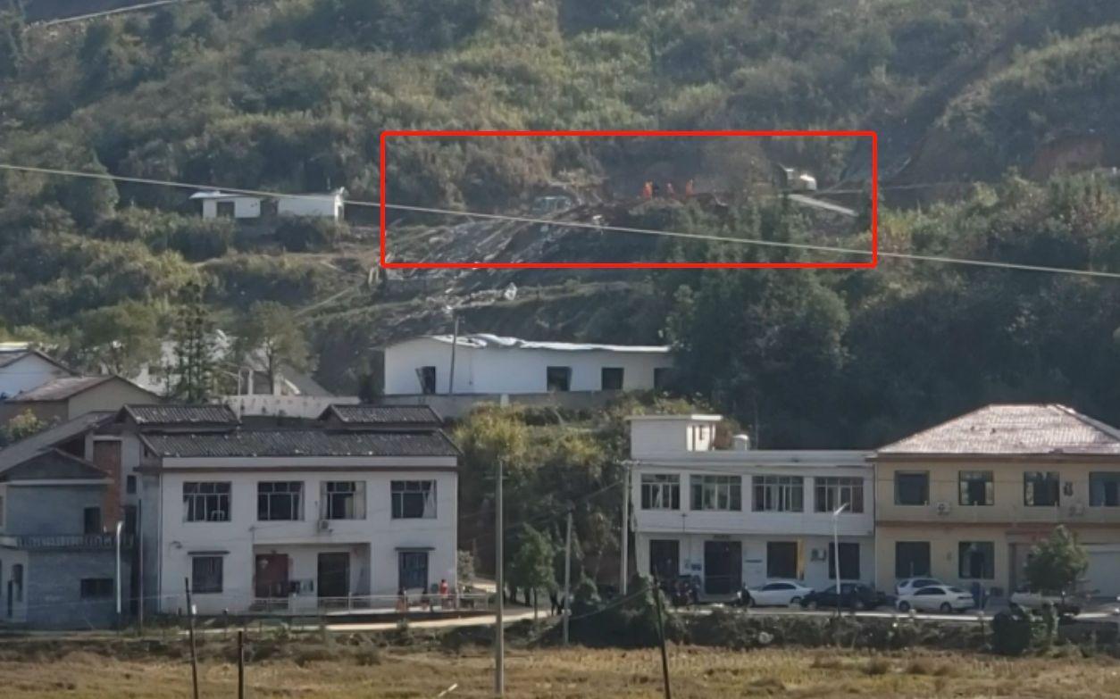 湖南花炮厂爆炸致多处民房玻璃破碎 镇政府逐户统计损失