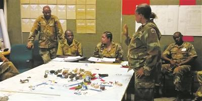 """南非国家战争学院——不做学员的""""保姆"""""""