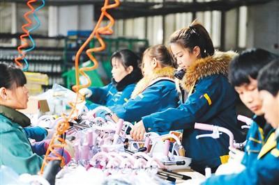 小童车撑起大产业