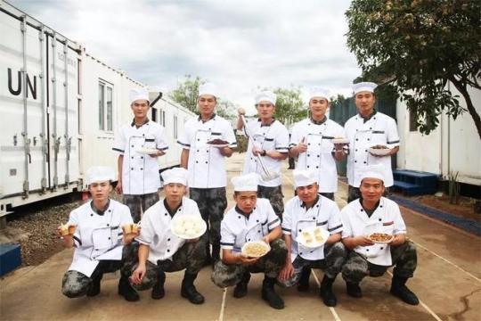 """一大波美食来袭!中国维和部队在非洲演绎""""炊事班的故事"""""""