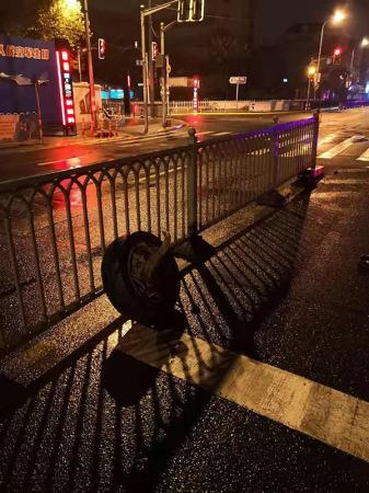 """轮胎被撞飞醉驾司机开""""三轮车""""逃逸 上海警方开展整治行动"""