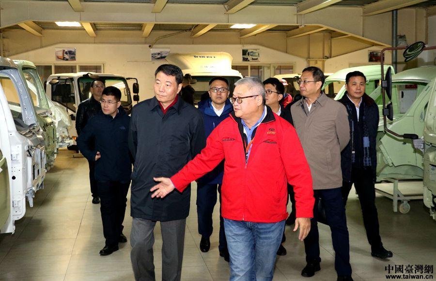 陈元丰走访慰问重庆、四川台胞并调研