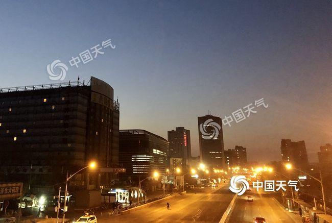 今明两天京城晴朗气温升 周日迎2020年首场降雪,出行注意保暖安全