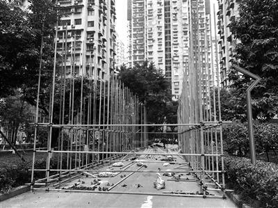 重慶火災私家車堵占消防通道?相關部門正調查