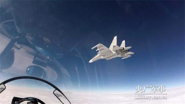 开训就对抗,升空即战斗!海空雄鹰的新年度首飞,霸气!