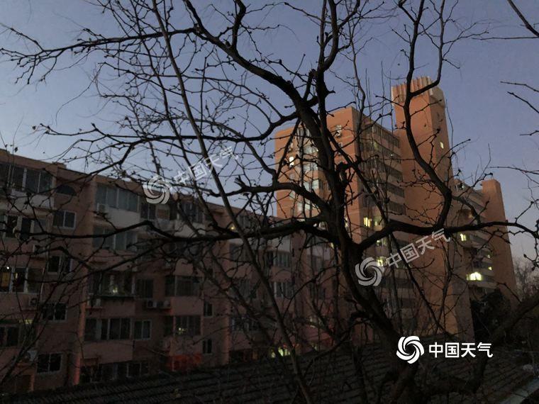 北京北风三级 市民外出活动需注意防风防寒