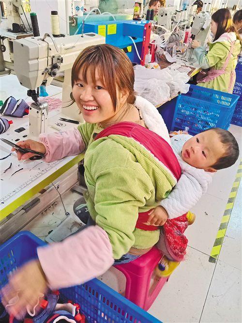 贵州易地扶贫搬迁:搬出深山 他们的生活这样继续