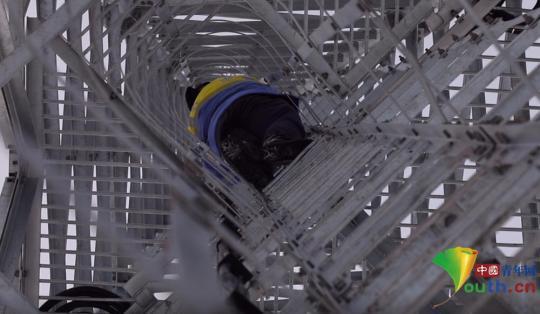 """""""塔尖上的男人"""":林海雪原的高铁列车真漂亮!"""