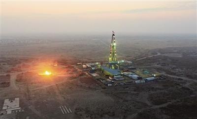 塔里木油田钻探出亚洲陆上第一深井