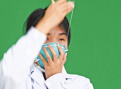 疾控专家手把手教您如何佩戴口罩和洗手