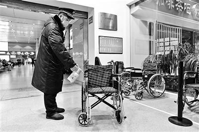 测温不验票 北京西站确保通行速度同时筛查乘客体温图片