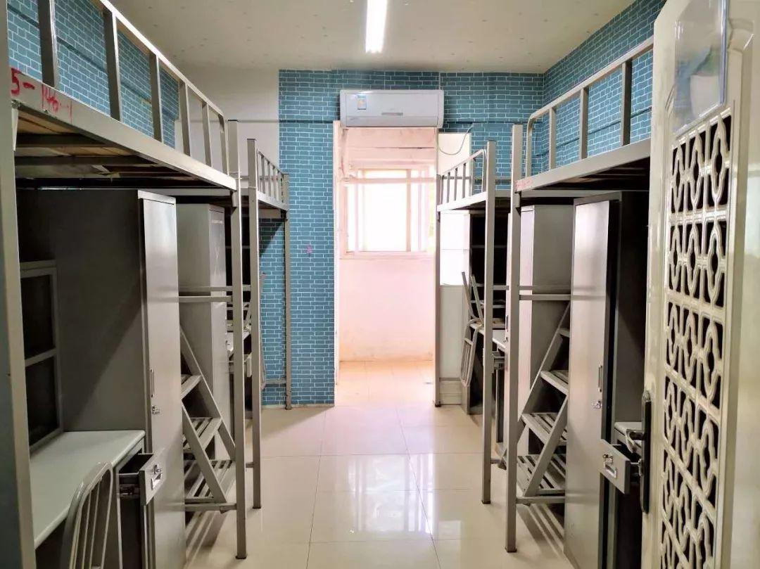武汉高校宿舍被征用,学生们的物品怎么办?