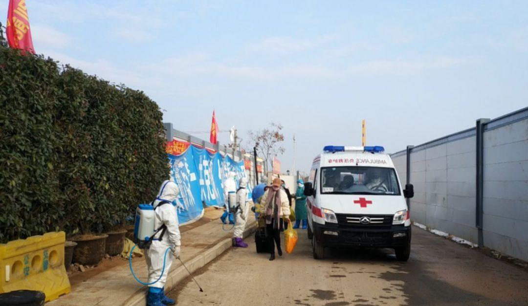 現場視頻:武漢火神山醫院首批7名治愈患者出院!