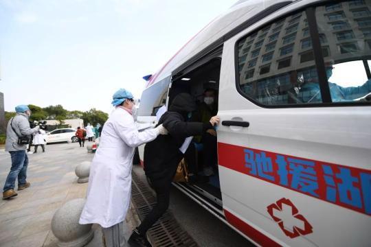 """武汉传来捷报!北京医疗队迎首个""""出院潮"""",这封感谢信亮了南师大文汇考研网"""