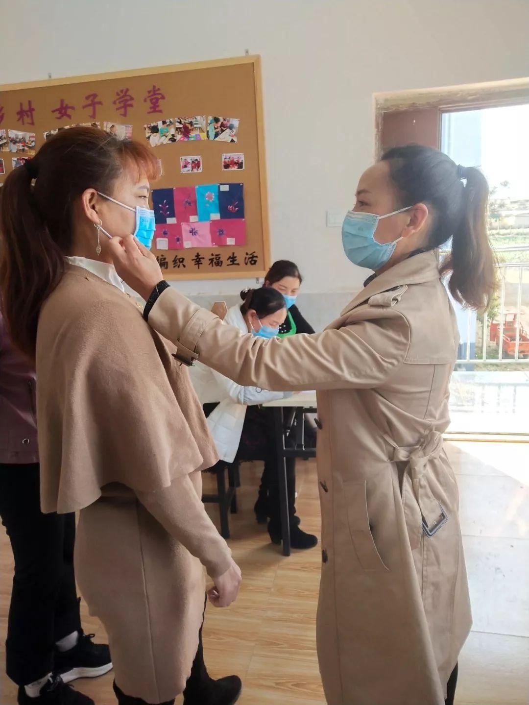 云南石屏:巾帼扶贫车间复工,姐妹们有活干有钱赚了!