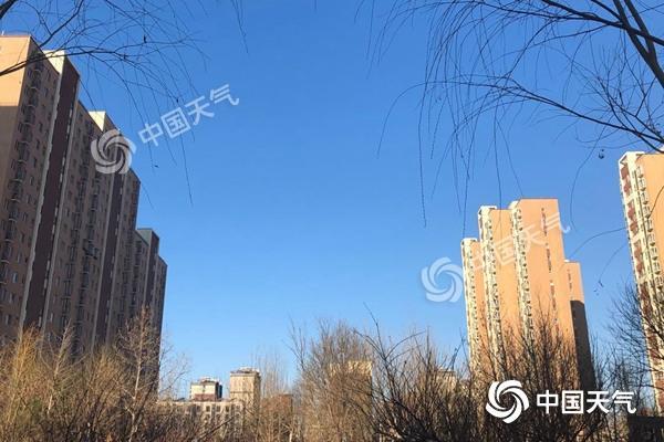 北京今天大风呼啸气温上升 明夜有雨山区有雨夹雪