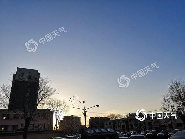又双叒叕降温了!今日北京最高气温下降4℃