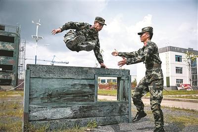 武警防城港支队:多措并举 确保体能整体跃升