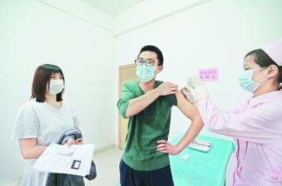 首批108人参与新冠疫苗临床试验