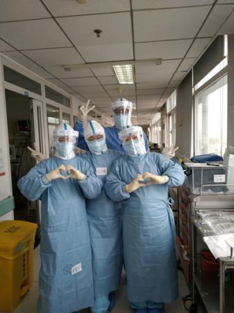 抗疫一线的年轻护士:给人惊喜的孩子们