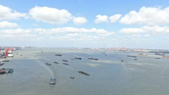 这条黄金水道热闹起来了!万里长江正重回昔日繁忙