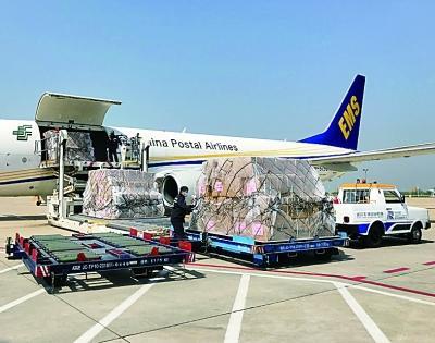 湖北向黑龙江捐助一批医用防护物资及医疗救治设备
