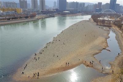 """黄河流域环境""""告急""""  如何加强保护?"""