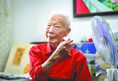 87岁老战士战胜新冠肺炎后更新愿望清单:要快乐每一天