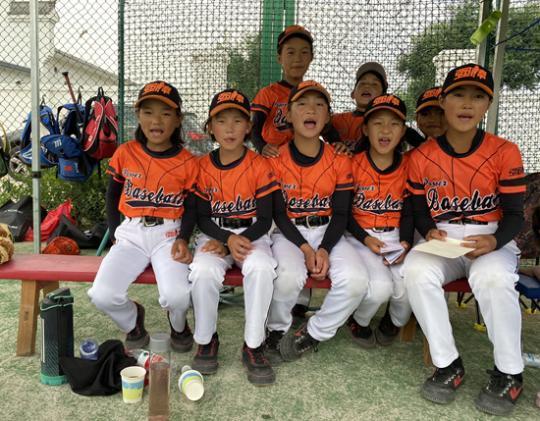 """一个""""绝不心软""""的棒球手和42个贫苦少年的故事"""