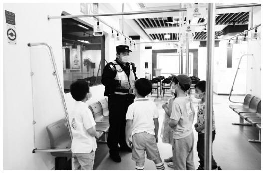 """南京地鐵:6000名""""平安合伙人""""如何守護地鐵安全"""