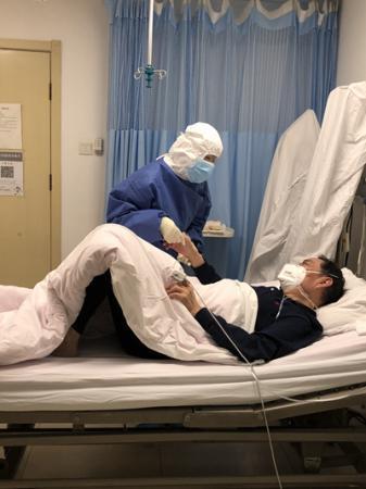中日医院感染科:别人可以后退,医生不能退